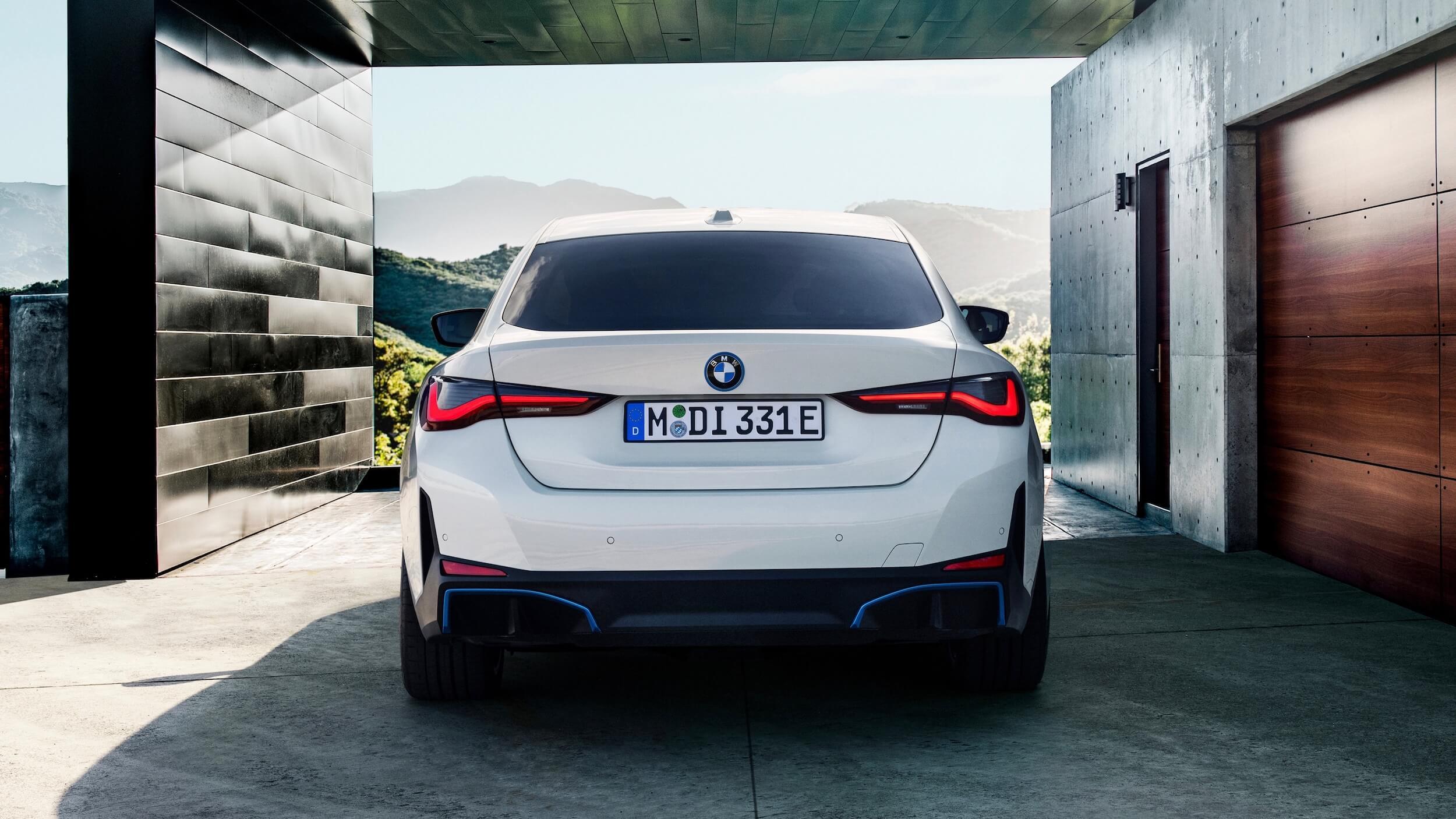 BMW i4 eDrive40 traseira
