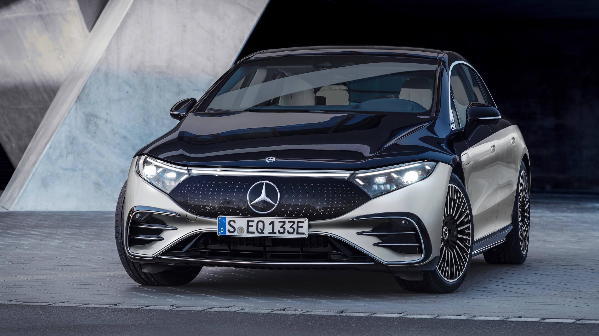 Mercedes EQS casual