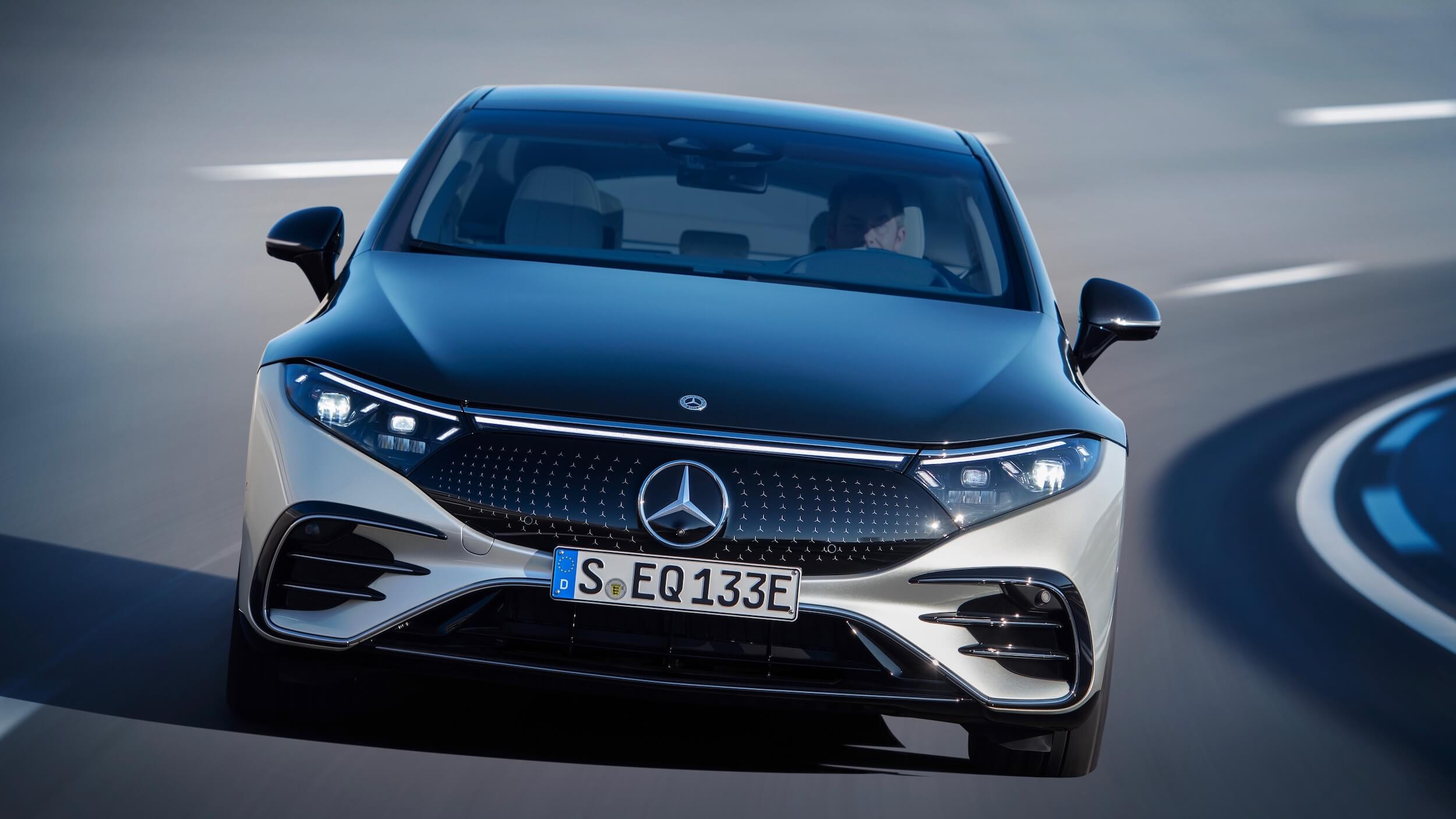 Mercedes EQS frente